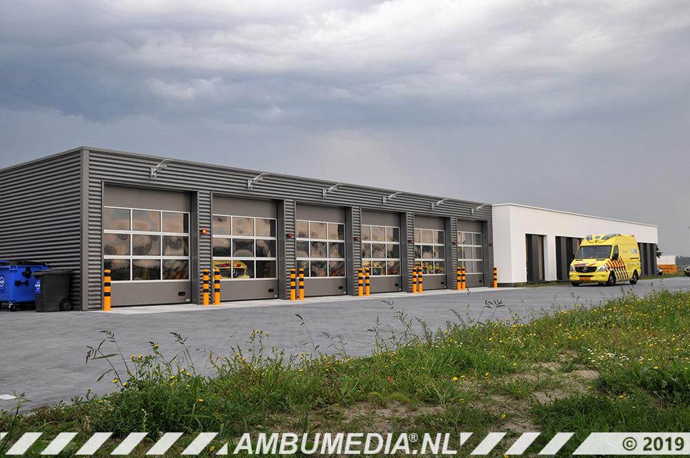 19-ambulancepost Goes Image